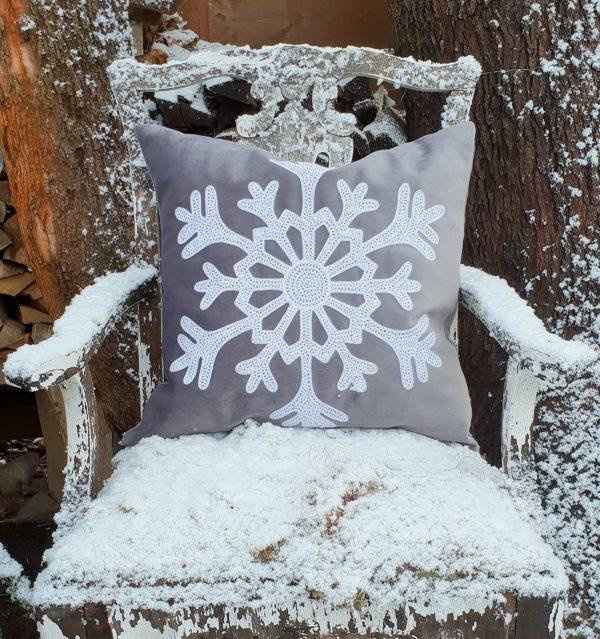 Kuddfodral i sammet med snöflinga
