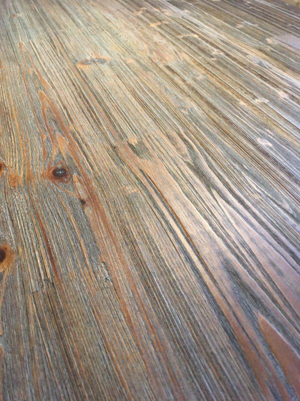 Matbord i industristil vintage träskiva