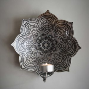 Majas cottage väggljusstake mandala antiksilver