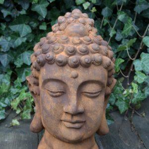 Buddha huvud rost trädgårdsdekoration