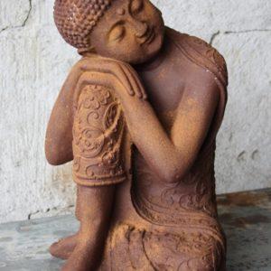 Rostig buddha trädgårdskonst