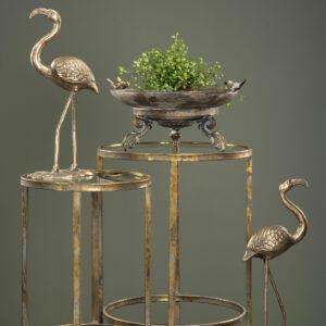 Fågelbad i guldbrun metall