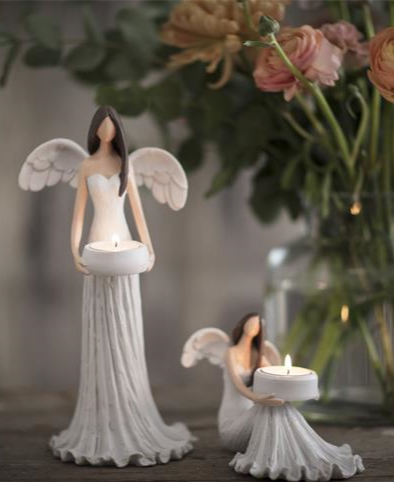 Stående ängel ljuslykta med pats för värmeljus