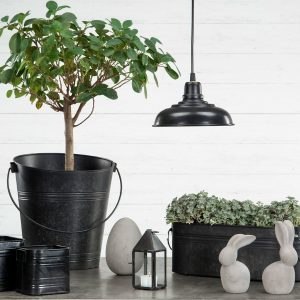 Fönsterlampa industri svart metall