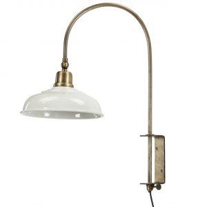 Vägglampa i mässing med vit lampskärm i metall