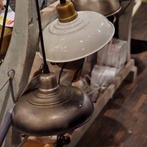 Fönsterlampa industri grå metall
