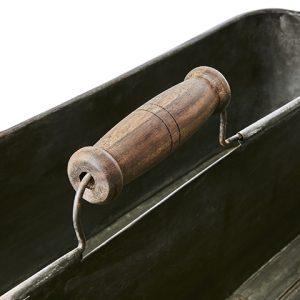 Vintage plåtlåda med trähandtag och två fack