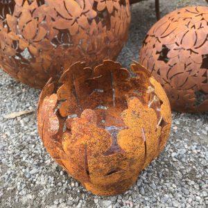 Marschallhållare ekblad i rostig metall