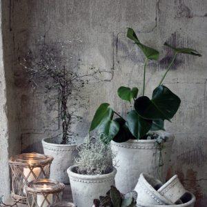Kruka med bård grå keramik