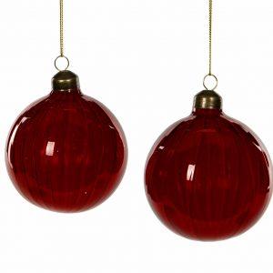 Röda julgranskulor i glas