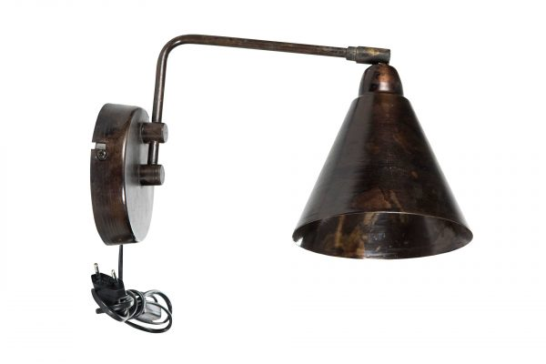 Vägglampa i antikbrun industristil